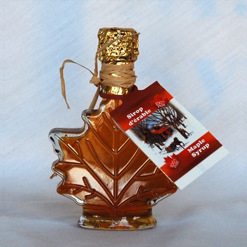 maple leaf bottled syrup for wedding favors or special occasions